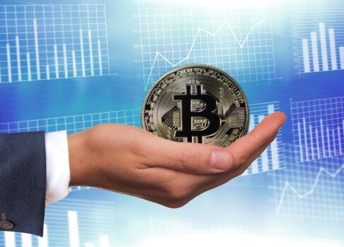 Nordmenn investerer sparepengene i Bitcoins